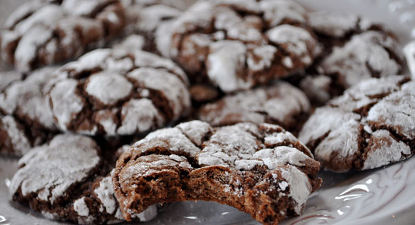 Chocolate Crinkle Cookies - Mountain Mama Cooks