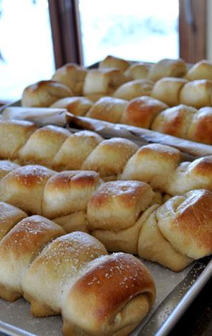 homemade-dinner-rolls