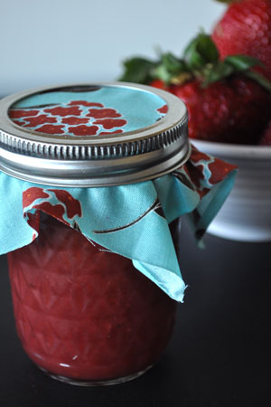 pomona-pectin-canning-strawberry-jam
