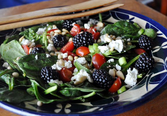 Spinach Salad with Blackberries and Balsamic Dressing - Mountain Mama ...