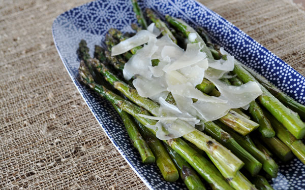 roasted-asparagus-truffle-oil-parmesan