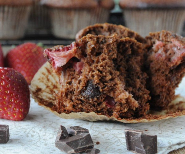 chocolate-chocolate-strawberry-muffins