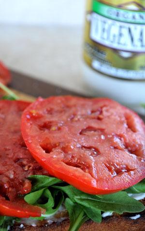tomato-mayonnaise-arugula-on-toast