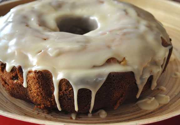 apple-spice-bundt-cake-with-browned-butter-glaze-1