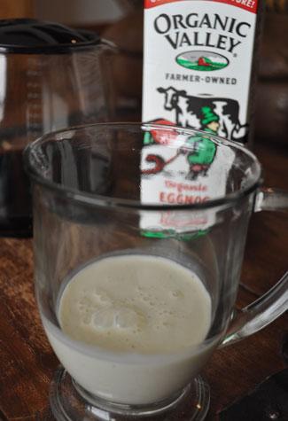 making-eggnog-latte-2