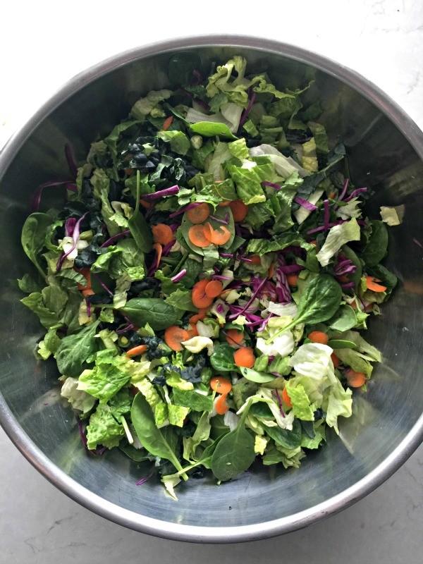 DIY Organic Salad Mix | mountainmamacooks.com