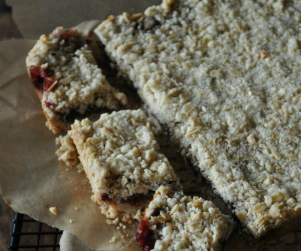 Oatmeal-Triple-Berry-Jam-Oatmeal-Bars-Mountain-Mama-Cooks