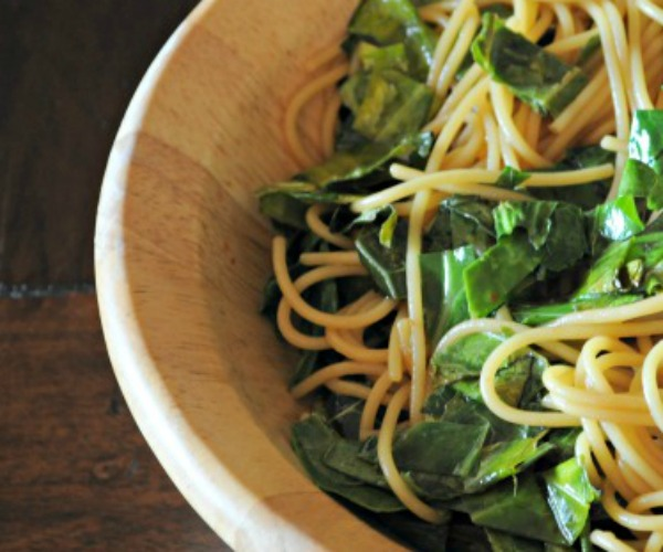 sesame-noodles-sauteed-kale-mountainmamacooks