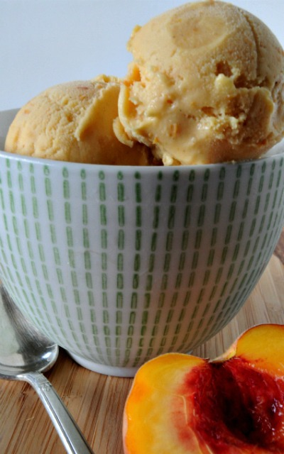 Quick Peach Ice Cream & Yogurt Recipe, www.mountainmamacooks.com
