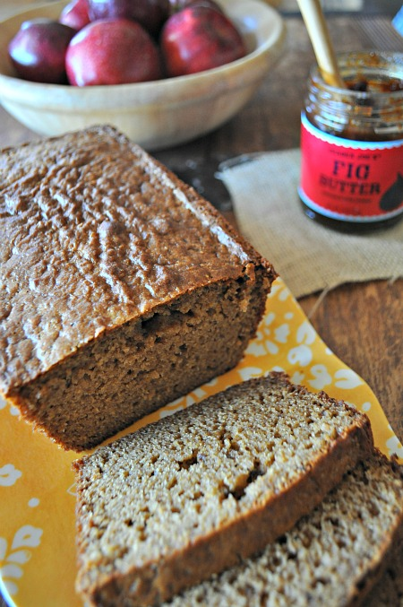 Apple Fig Bread, www.mountainmamacooks.com