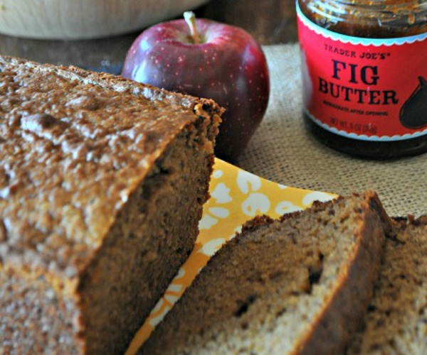 Fall-Apple-Fig-Whole-Wheat-Bread-www.mountainmamacooks.com_