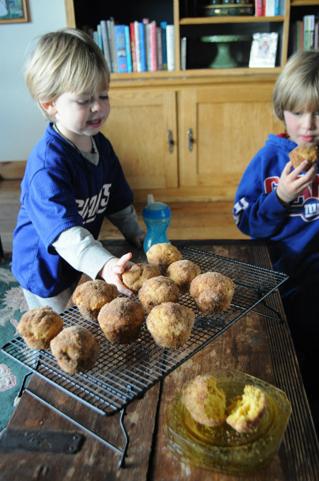 Football Sunday-Giants Football-Pumpkin Muffins, www.mountainmamacooks.com