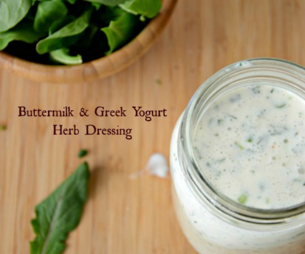 Buttermilk-Greek-Yogurt-Herb-Dressing-www.mountainmamacooks.com-recipe-salad-ranchdressing