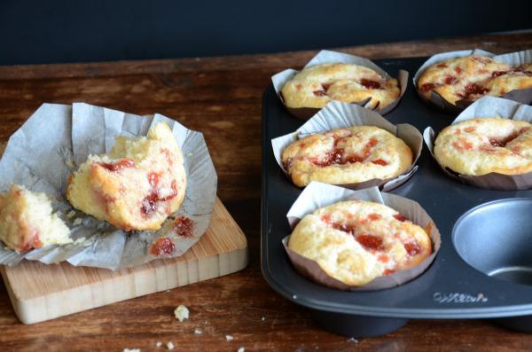 Raspberry-Peach Jam Breakfast Muffins, www.mountainmamacooks.com