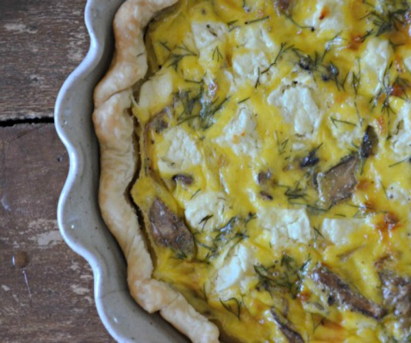 feature Goat Cheese Quiche with Mushrooms and Onions, www.mountainmamacooks.com