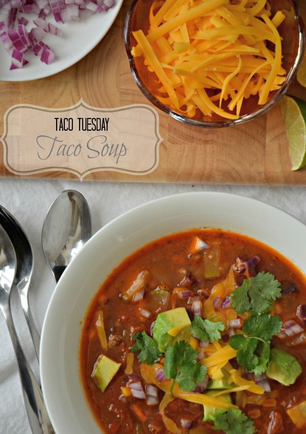 Taco Soup Recipe, www.mountainmamacooks.com #glutenfree #tacotuesday
