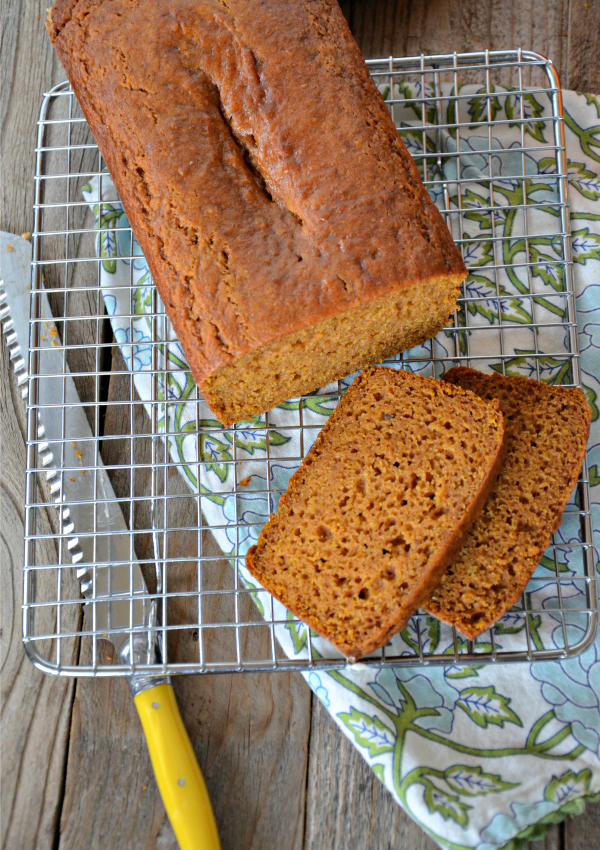 Orange Pumpkin Bread with Cinnamon Cream Cheese Icing | mountainmamacooks.com