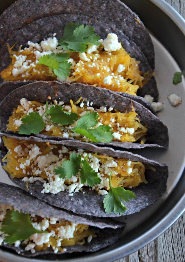Spaghetti Squash & Black Bean Tacos | mountainmamacooks.com