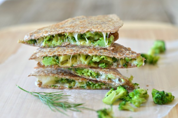 Broccoli Quesadilla with Avocado, Garlic and Dill | mountainmamacooks.com