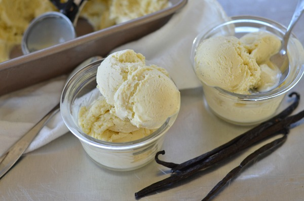 Vanilla Bean Ice Cream | mountainmamacooks.com
