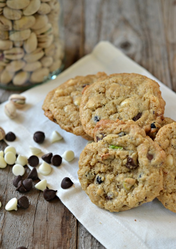 Dark & White Chocolate Chip Oatmeal Cookies with Pistachios and Dried ...