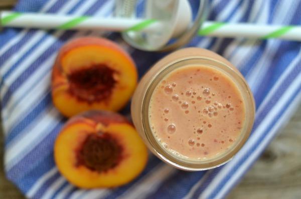 Peach Cobbler Smoothie | mountainmamacooks.com