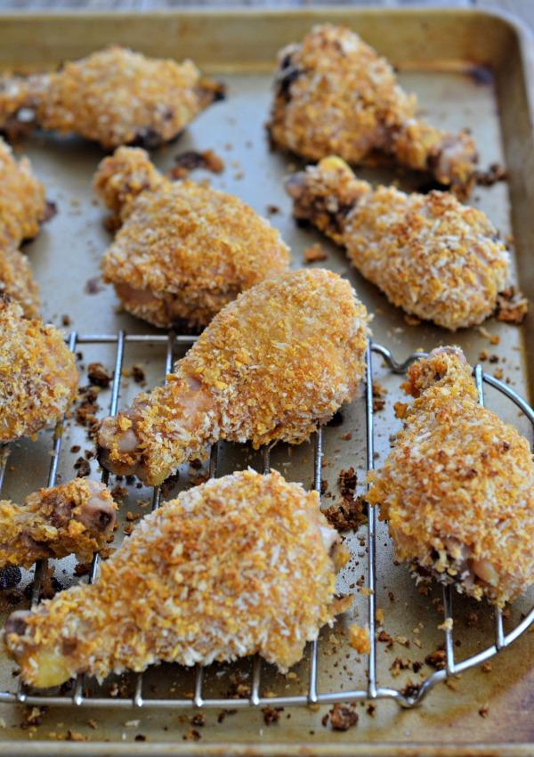 "Buttermilk Oven ""Fried"" Chicken + Skinntaste Cookbook Giveaway | mountainmamacooks.com #giveaway #skinnytaste"