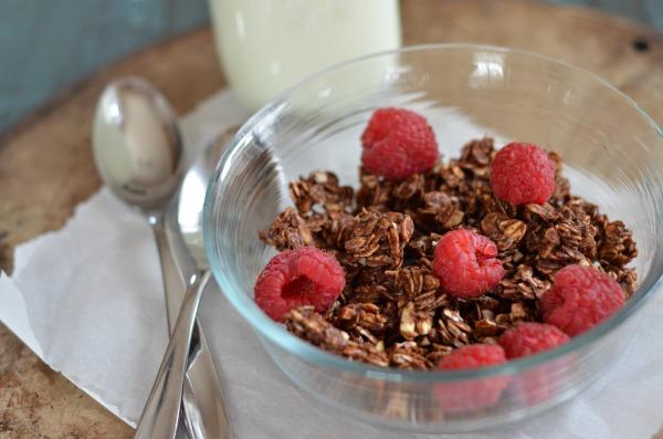 Chocolate Granola | mountainmamacooks.com