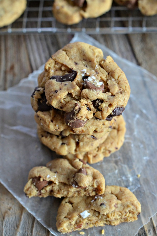 Salted Chocolate Chunk Peanut Butter Cookies | mountainmamacooks.com