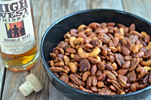 Whiskey Roasted Nuts | mountainmamacooks.com