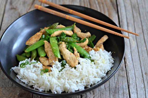 10 minute Lemon Chicken Stir Fry | mountainmamacooks.com