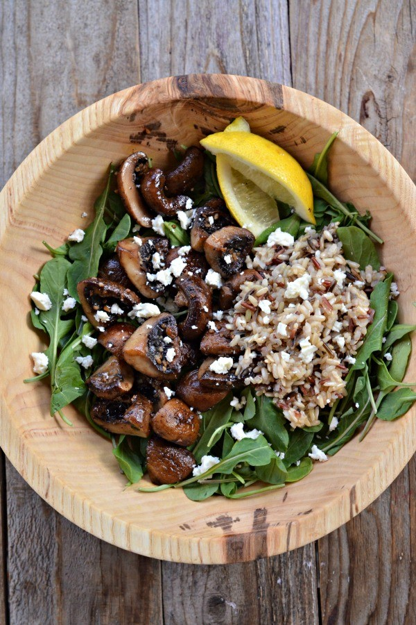 ... salad. Garlic Mushroom Salad with Arugula and Wild Rice is simple and