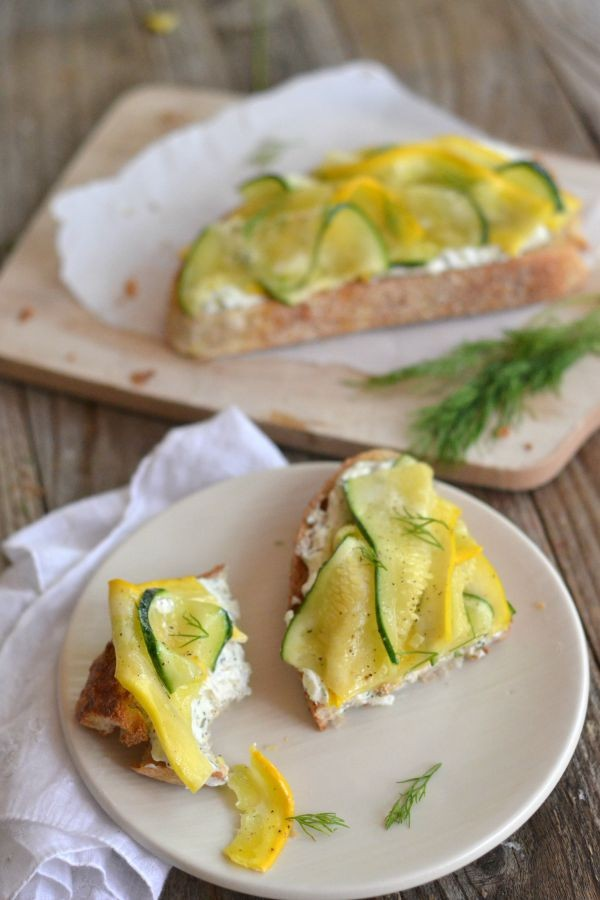 Summer Squash Goat Cheese Bruschetta | mountainmamacooks.com