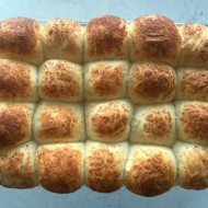 garlic-parmesan-rolls-mountain-mama-cooks-feature
