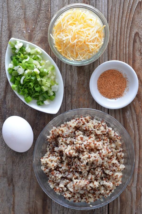 Cheddar Scallion Quinoa Cakes | mountainmamacooks.com