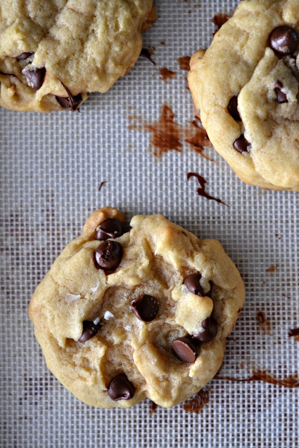 Perfectly Puffy Chocolate Chip Cookies | mountainmamacooks.com