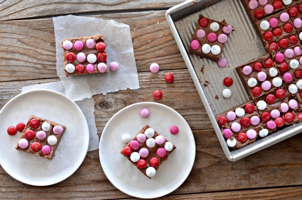 M&M Valentine Brownies | mountainmamacooks.com