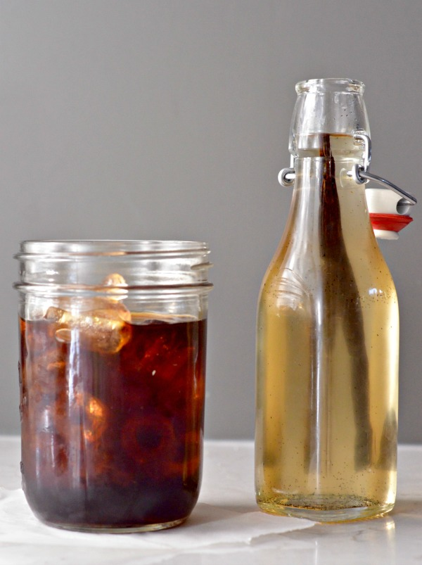 Vanilla Bean Simple Syrup | mountainmamacooks.com