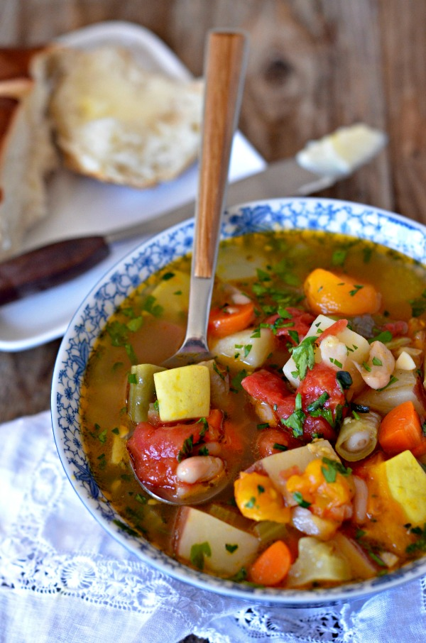 Vegetable and White Bean Soup | mountainmamacooks.com