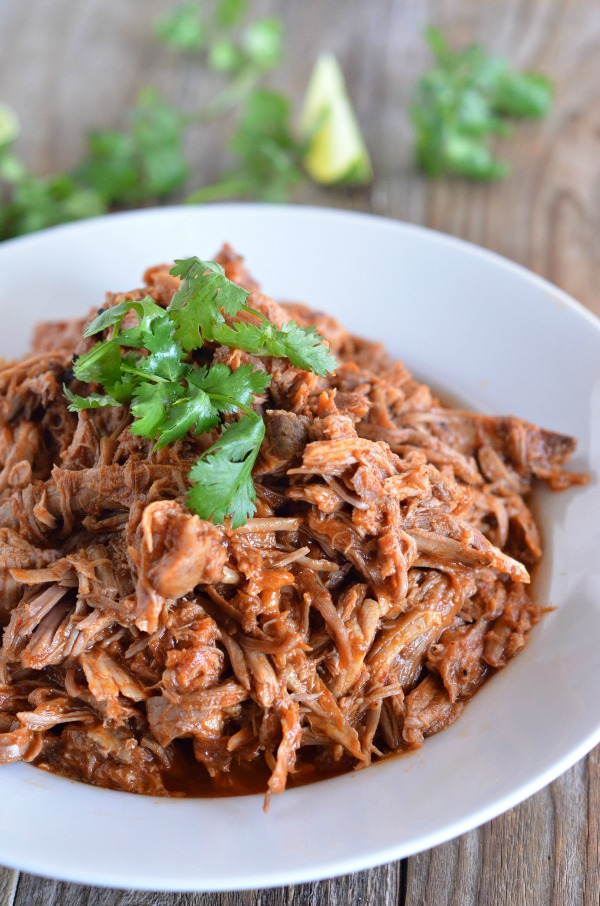 Slow Cooker Sweet Pulled Pork Tacos | mountainmamacooks.com
