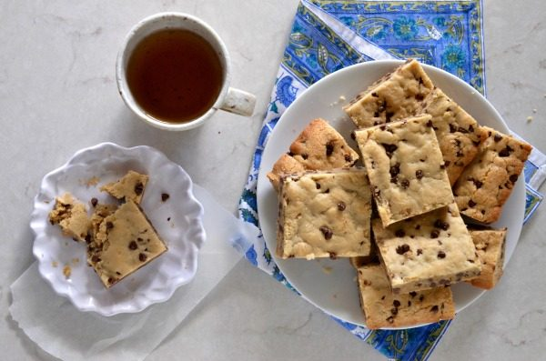 High Altitude Chocolate Chip Cookie Bars | mountain mama cooks