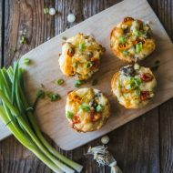 Sausage Cheddar Breakfast Muffins | www.mountainmamacooks.com